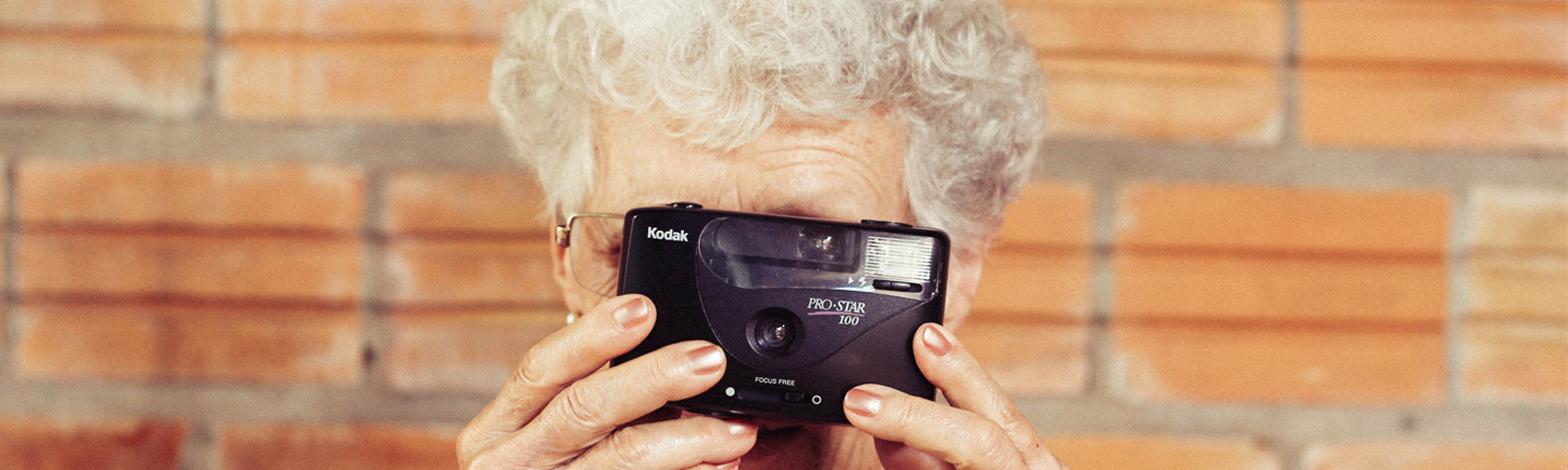 Social Relations in Older Age May Help Grandma Maintain Her Memory